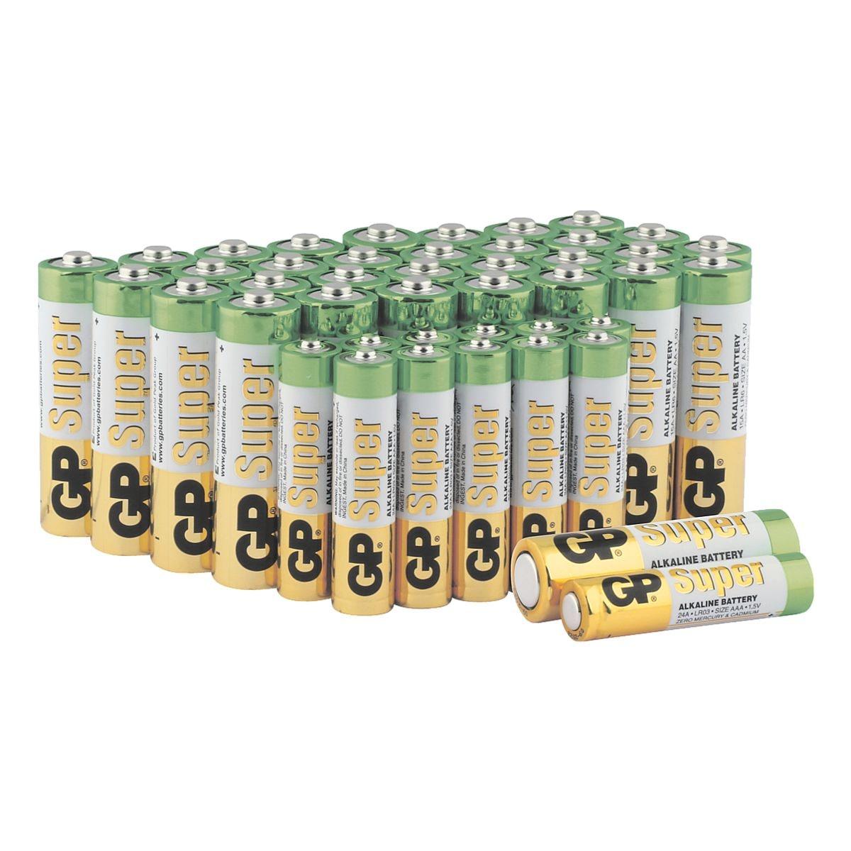 GP Batteries Paquet de 44 piles « Super Alkaline » 32x Mignon / AA / LR06, 12x Micro / AAA / LR03